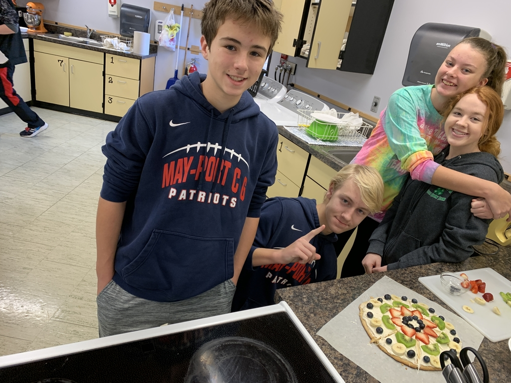 FACS 1 fruit pizza!