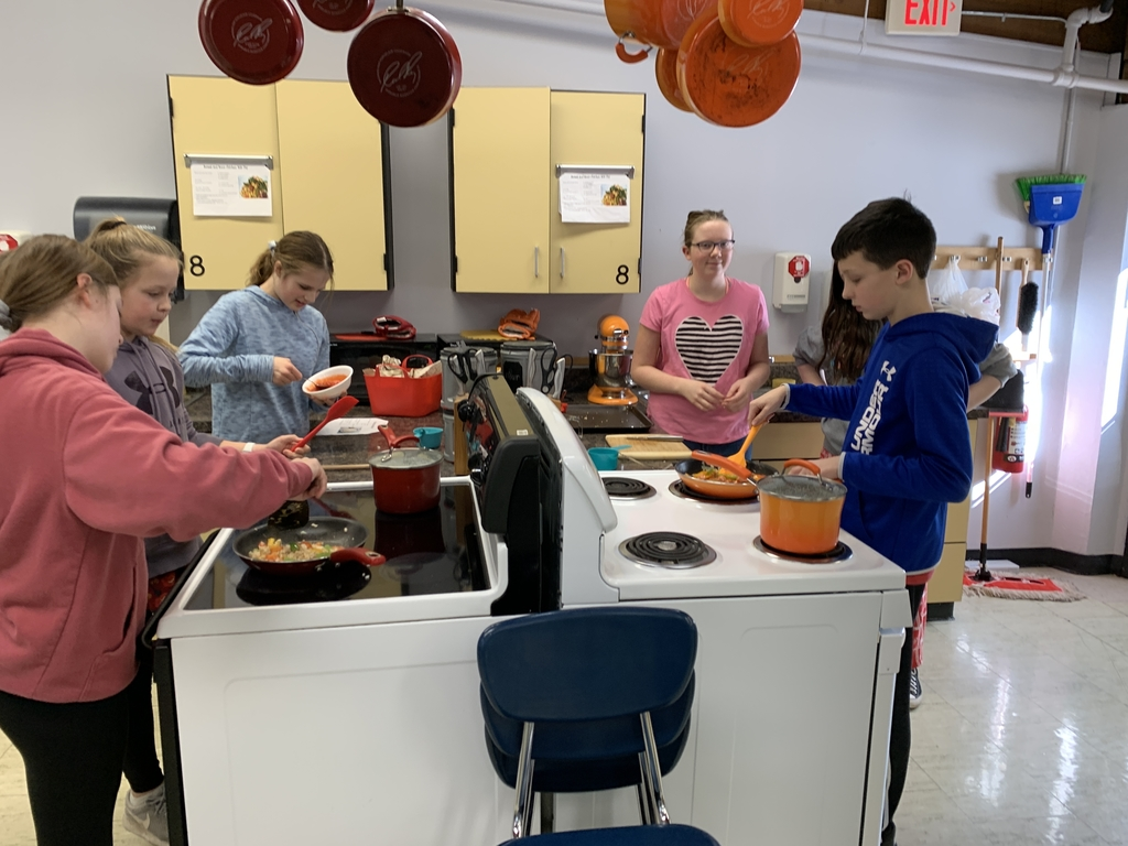 Set I think grade chefs making sweet and sour chicken in FACS!